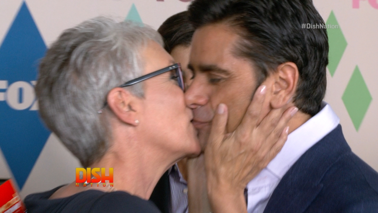 Catching up with jamie lee curtis amp john stamos on the red carpet