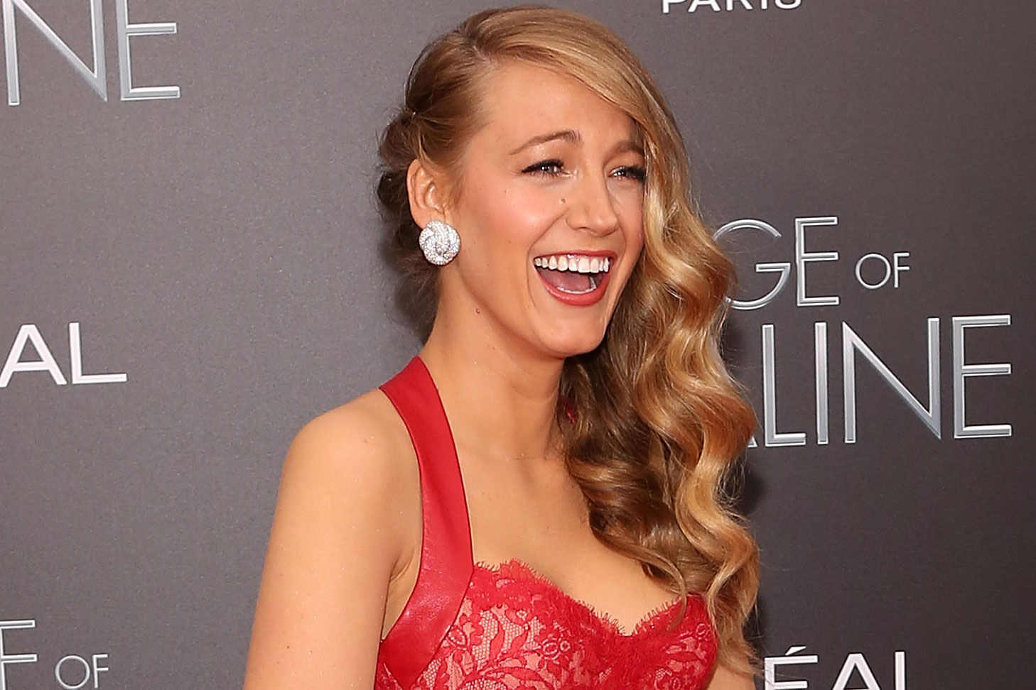Watch Blake Lively Shuts Preserve, But Knows Exactly How She's Going To Take On The Hate Hate Haters video