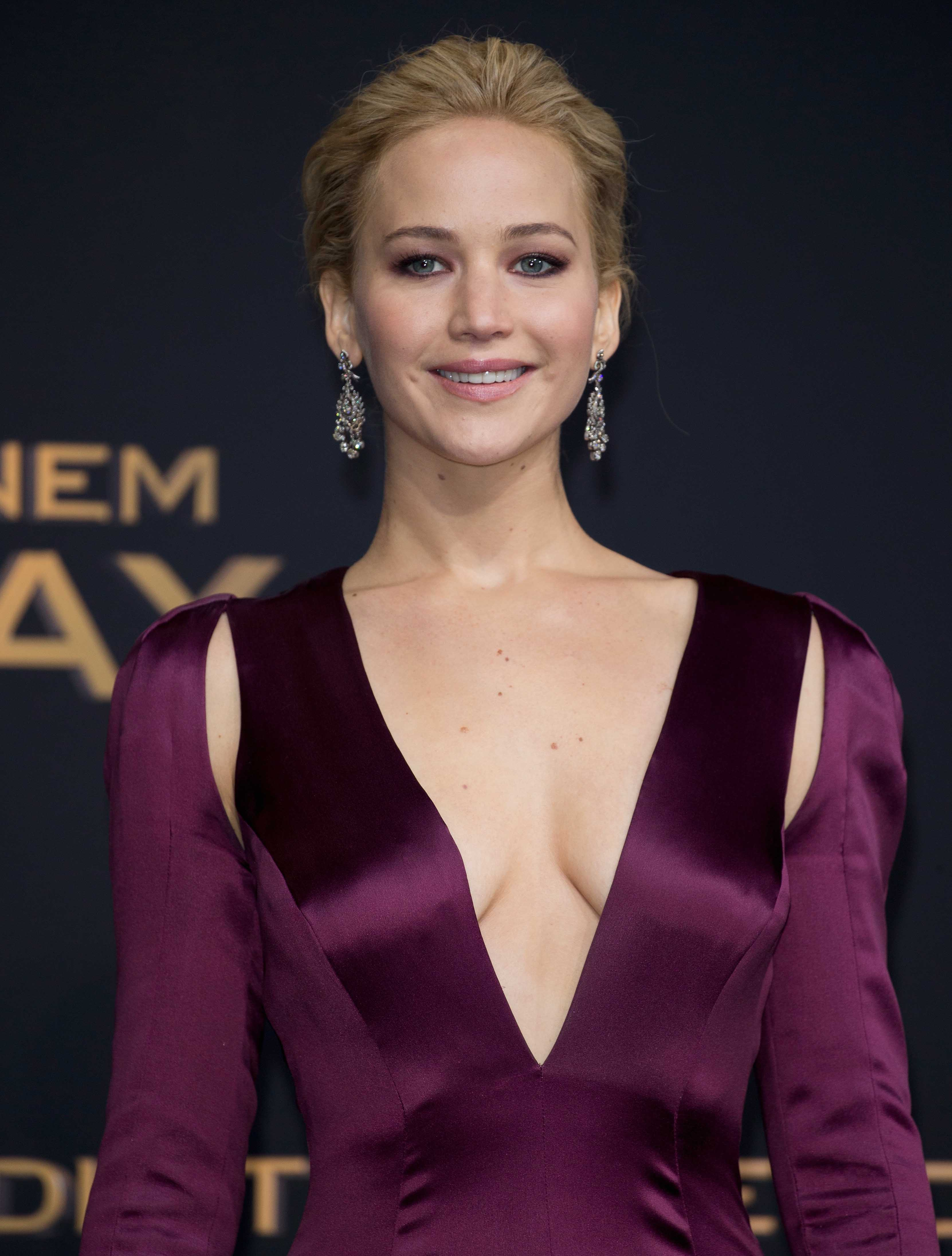 Jennifer Lawrence Leaves Our Jaws On The Floor ...