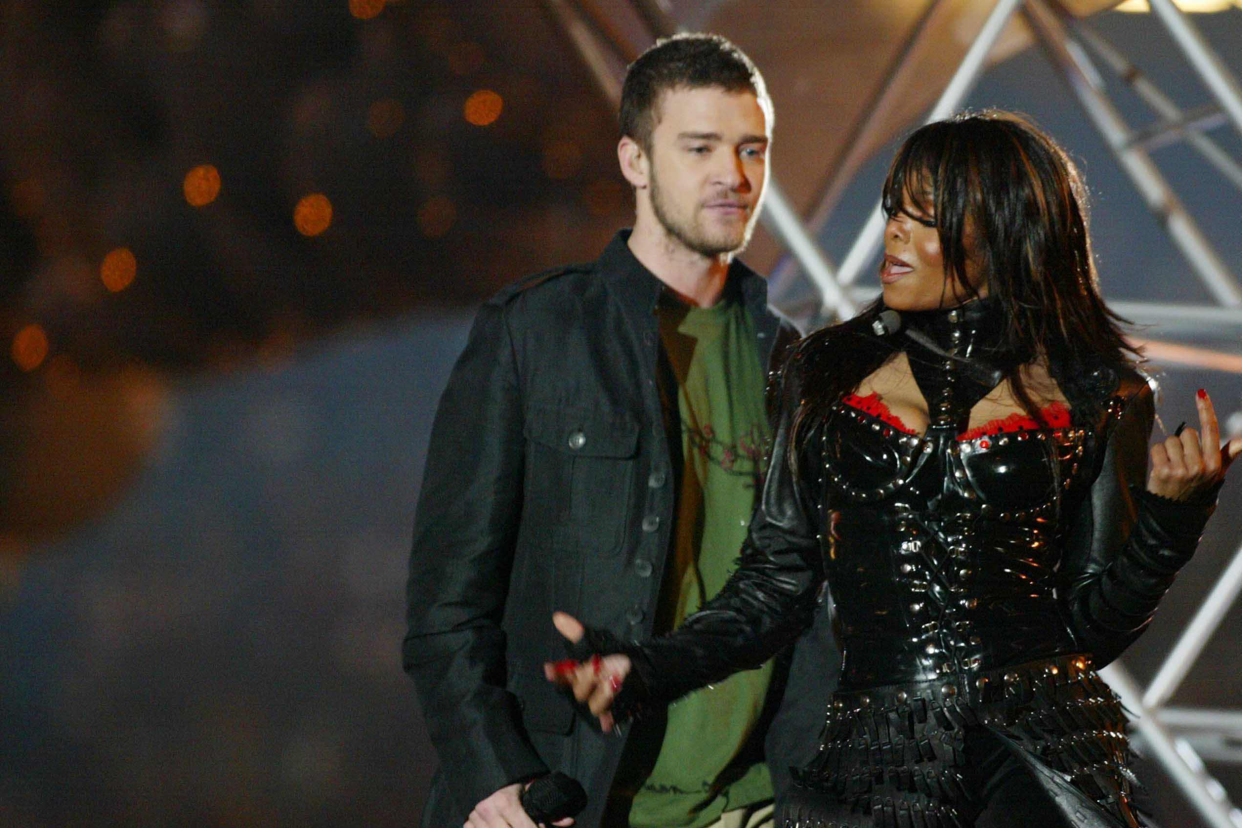the best & worst super bowl halftime shows ever - dish nation