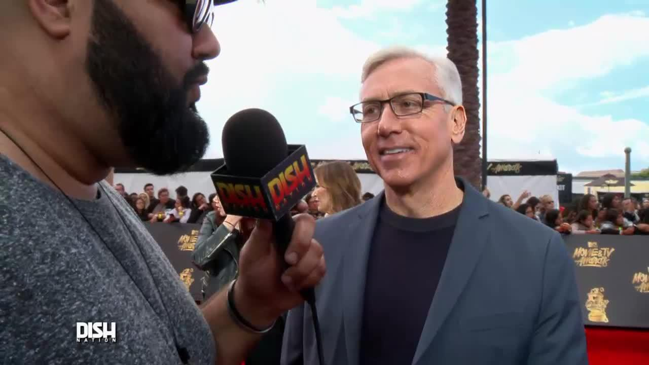 All Hail Breaks Loose On The Red Carpet At The Mtv Movie